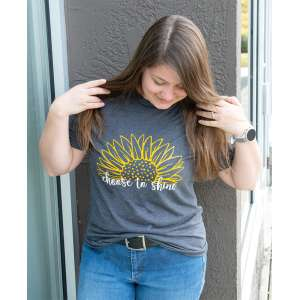 #L69 Choose To Shine Sunflower T-Shirt, Small